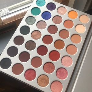 Great condition Jaclyn Hill Palette